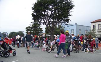 crit-crowd-at-start_finishcfdc.jpg